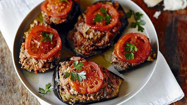 Stuffed eggplant with lamb or beef (karniyarik) recipe
