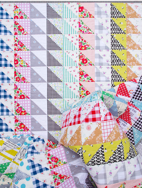 Half Square Triangles Galore ~ A Finished Quilt | © Red Pepper Quilts 2017
