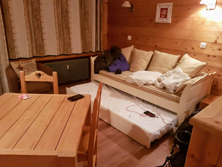 這次住宿房間一景,原先這區得睡兩個人