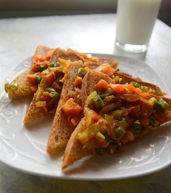Vegetable Toast   Vegetable Masala Bread Toast   Easy Breakfast Recipe