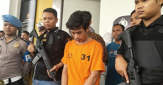 Adi Saputra - Pria Banting-banting Motor Akhirnya Ditangkap