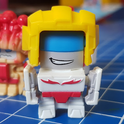 Transformers BotBots review Spud Muffin fries robot transformed