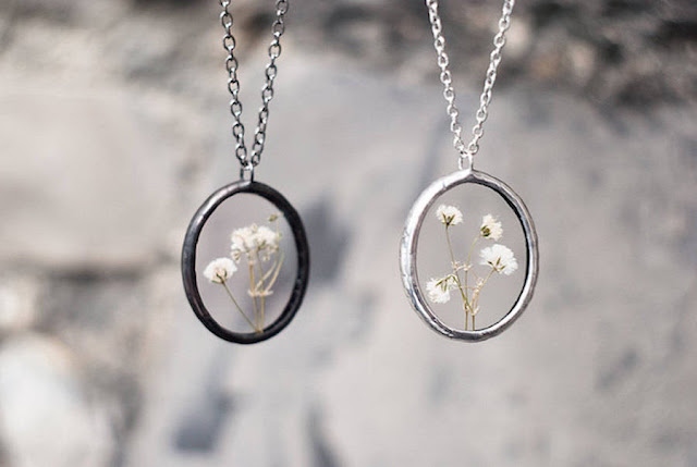 Artworks, A Nature Vintage-Style Pendants