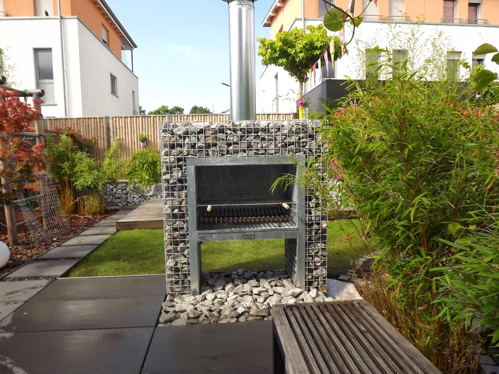 kunstrasen heute higthek auf h chstem niveau steinkorb kamin grill. Black Bedroom Furniture Sets. Home Design Ideas