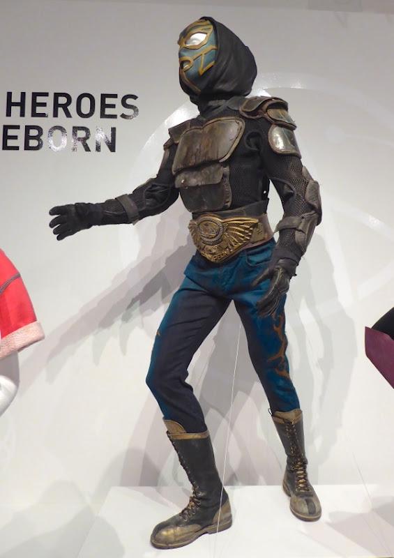 El Vengador costume Heroes Reborn