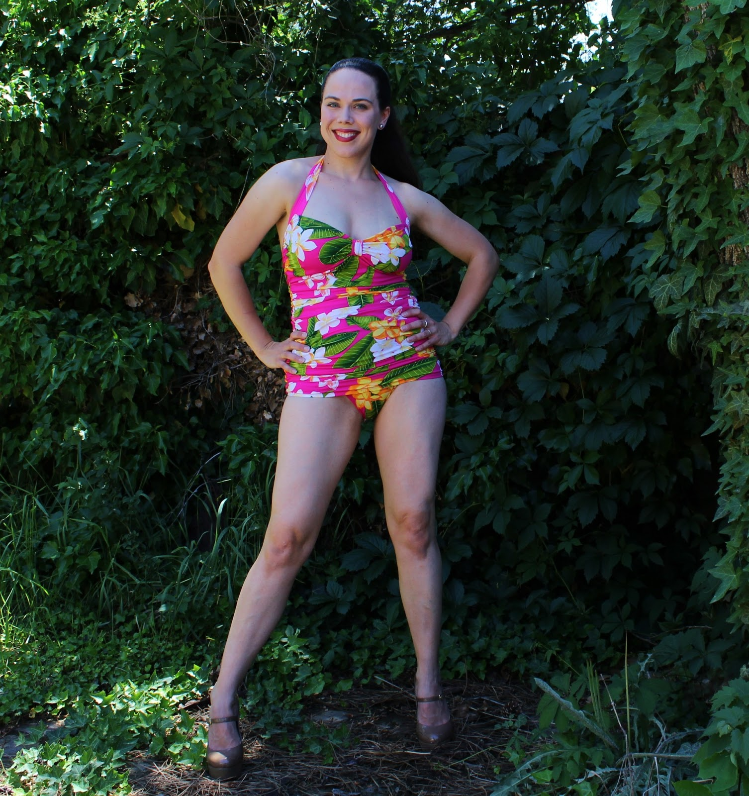 5b6ffdc5b0f78 Kadiddlehopper  Closet Case Files  Bombshell swimsuit - And is it ever!