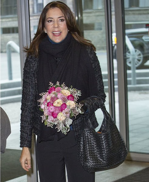 Crown Princess mary wore Gianvito Rossi Mid Heel Pumps, Bottega Veneta Maxi Hobo Bag