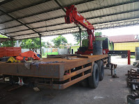 Karoseri Heavy Truck Crane UNIC