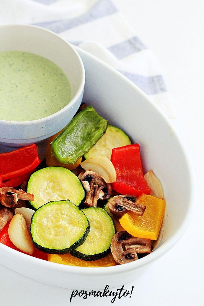 Pieczone warzywa z sosem bazyliowym