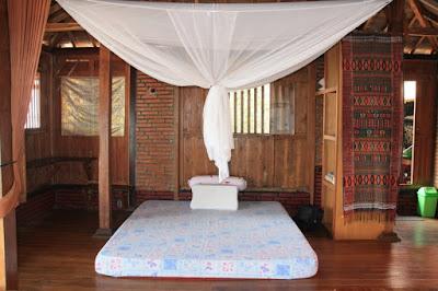 tempat tidur omah alchy karimunjawa joglo besar