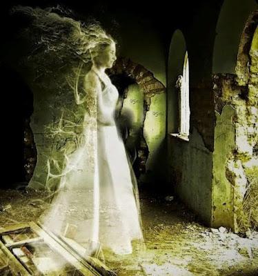Castillo de Loarre, fantasma, dama de blanco, doña violante