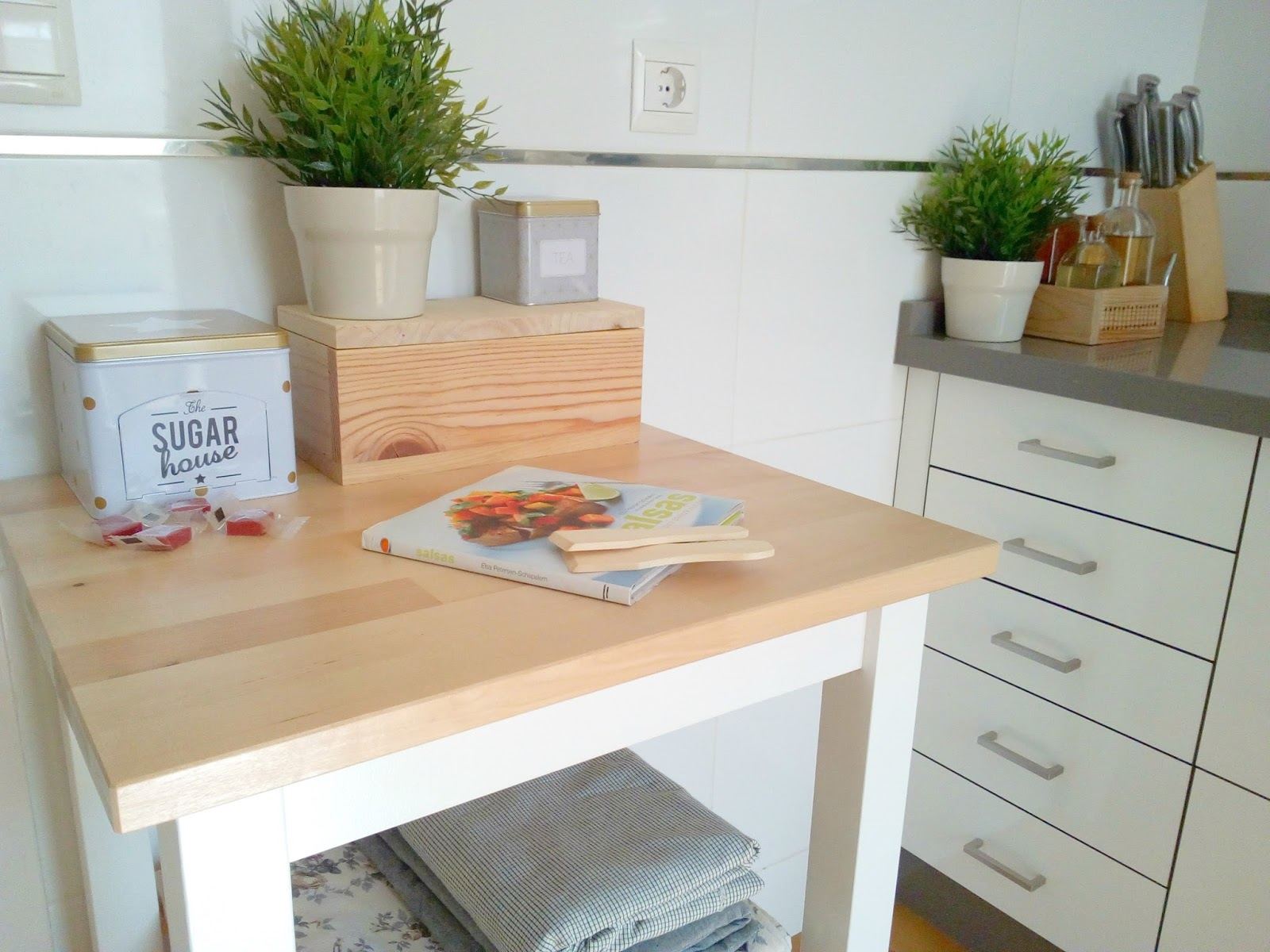 La buhardilla decoraci n dise o y muebles antes y for Mueble camarera cocina