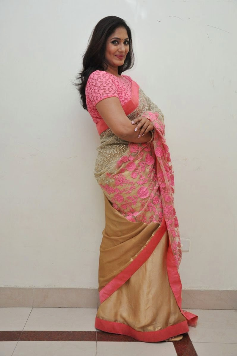 Tv Actress Jhansi Hot Photos In Pink Saree