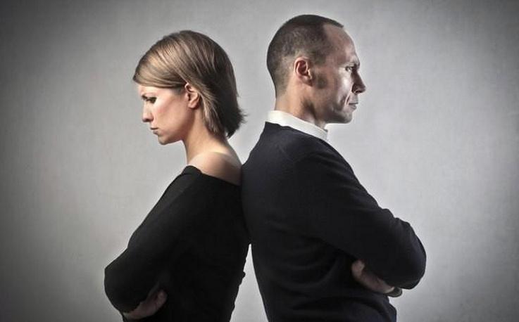 Τα ζευγάρια που «πολεμάνε» μεταξύ τους υποφέρουν, δεν είναι αστείο!