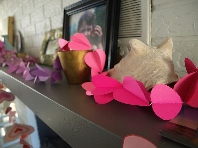 This Little Miggy Stayed Home || 3-D Heart Garland