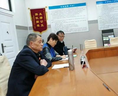 江苏省企业退休职工维权代表到省总工会上访维权(图)