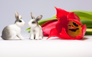 Wallpaper: Easter Bunnies and Tulips