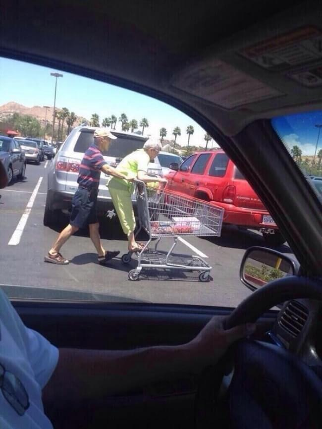 20 Exhilarating Images That Show Love Has No Age Limits - Be silly on your way to the supermarket