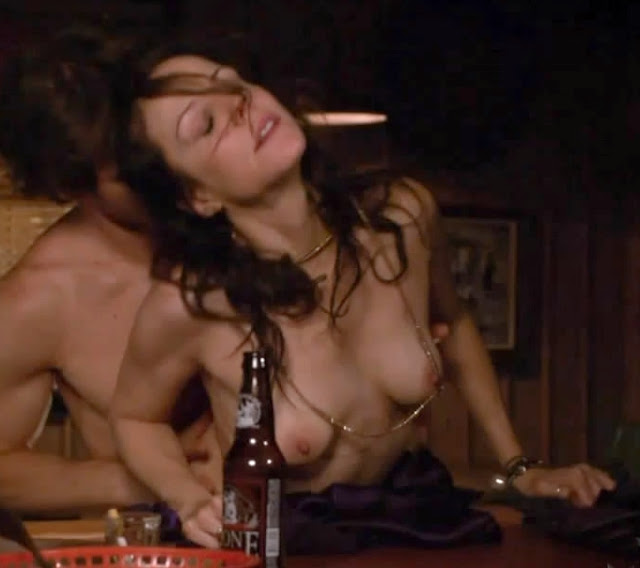 With Mary louise parker PUSSY share