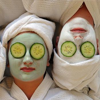 اقوي الخلطات المنزلية  لتفتيح بشره الوجه