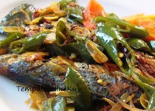 tumis ikan asin peda cabai hijau