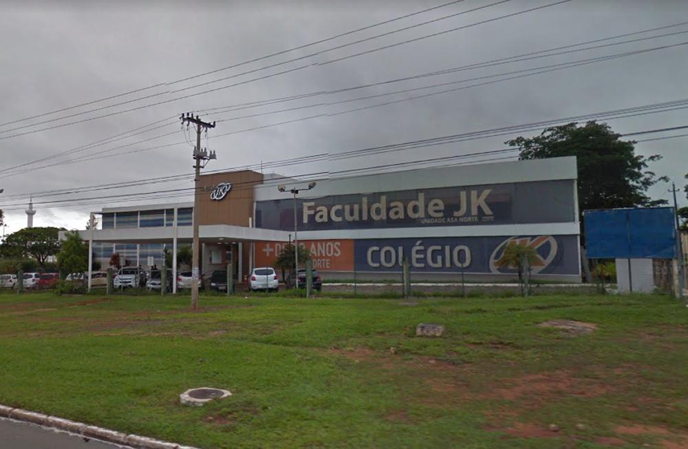 Estudantes denunciam que Colégio JK em Brasília demitiu três professores gays