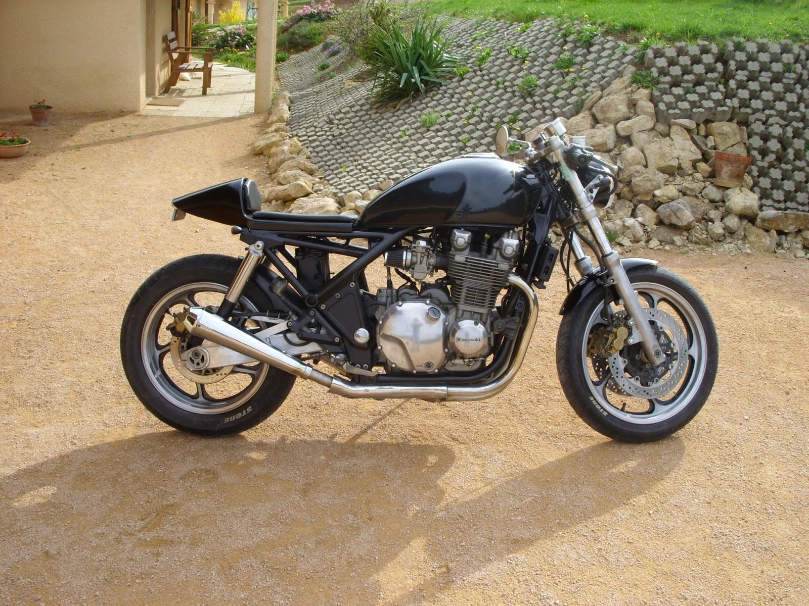 jrf customs moto: kawasaki zephyr 1100 en café racer
