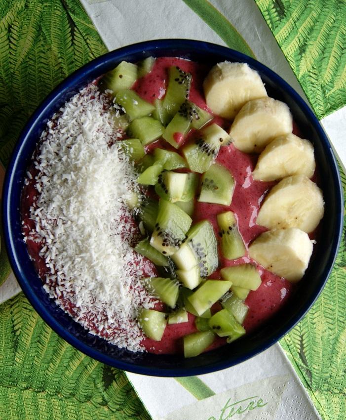 Smoothie bowl, czyli miska z owocami