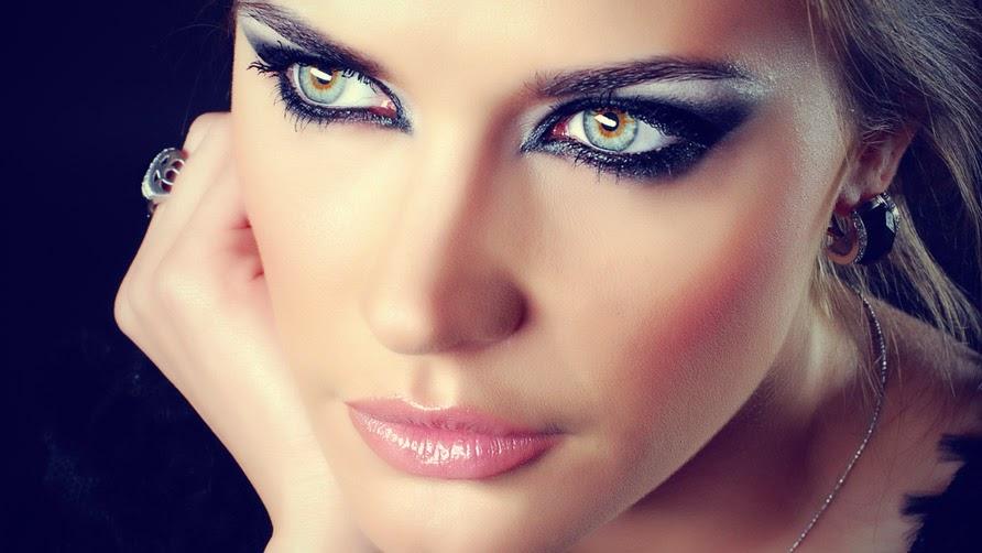 Dumanlı Gözler: Smoke Makeup Gözünün Adımlı El Kitabı