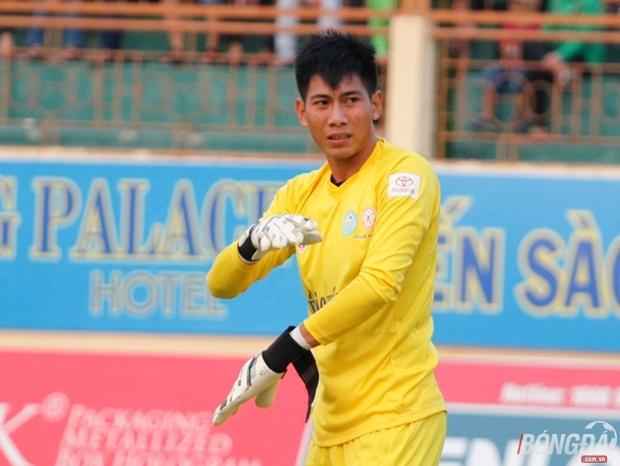Thủ môn Tuấn Mạnh của đội tuyển Khánh Hòa.