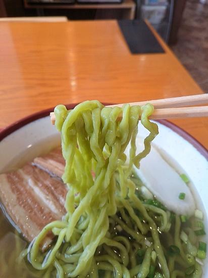 雲南百薬そばの麺の写真
