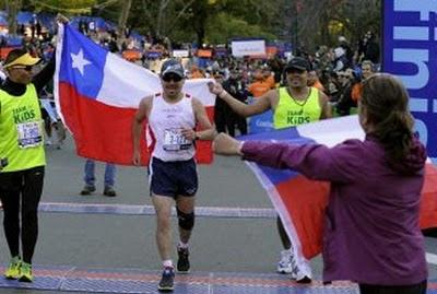 """Peña el """"minero atleta"""", completa el maratón de Tokio en 5 horas y 7 minutos"""