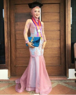 kebaya mermaid
