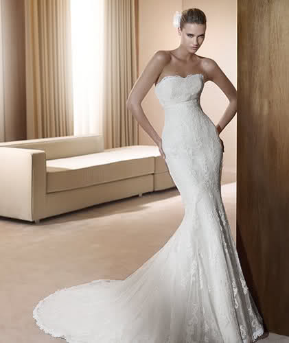 Form Fitting Wedding Gowns: Funky Wedding Dresses 2011