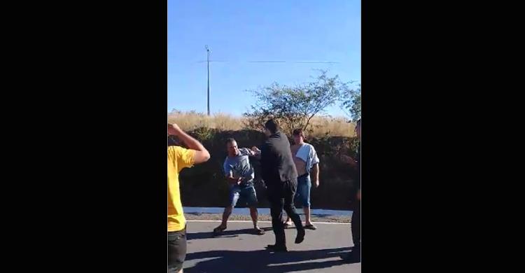 """OAB repudia ação de juiz que empurrou manifestante: """"Desrespeitoso"""""""