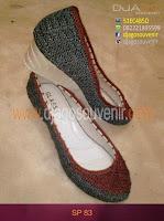 Sepatu Rajut dengan motif daun dua warna hak 5 cm