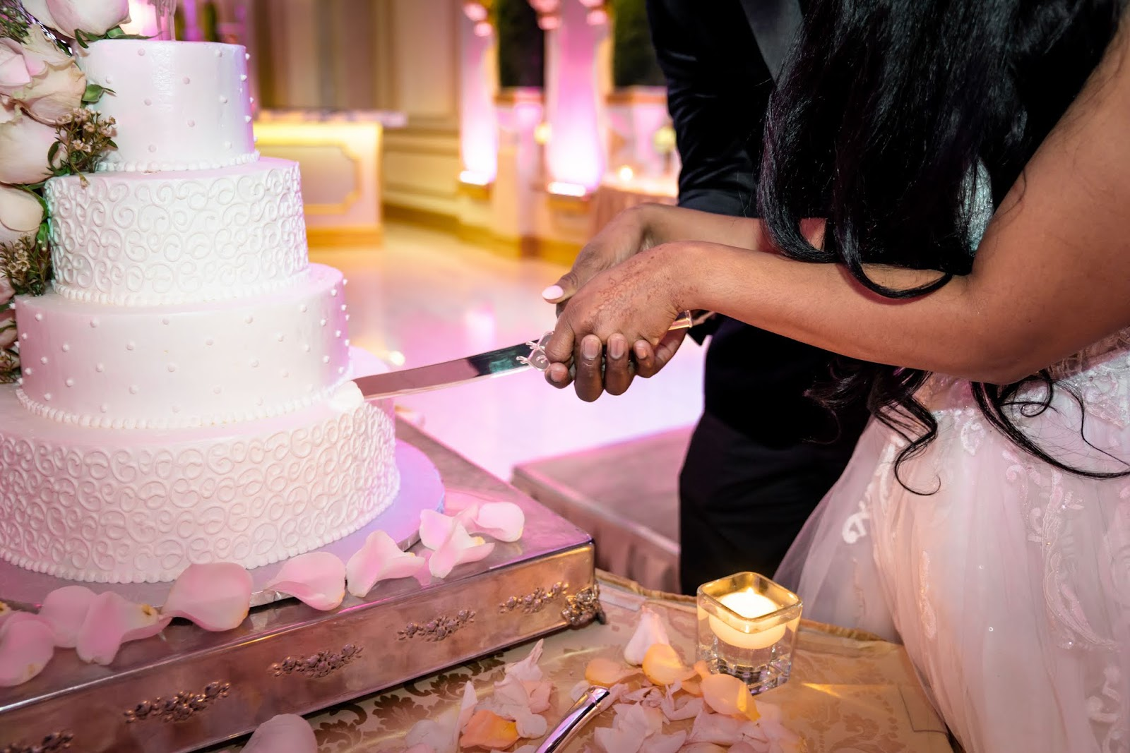 Enjoy your big day with the best wedding cakes