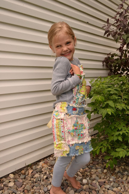 Free Apron Pattern by A Vision to Remember