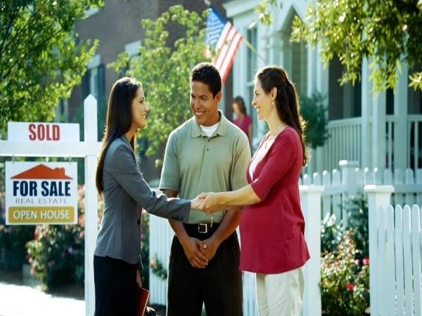 Khó khăn của nghề môi giới bất động sản
