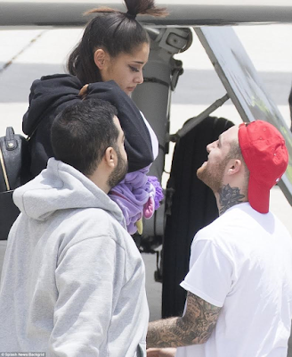 2AAA - Photos: Ariana Grande seen for the first time in Florida after Manchester bomb attack
