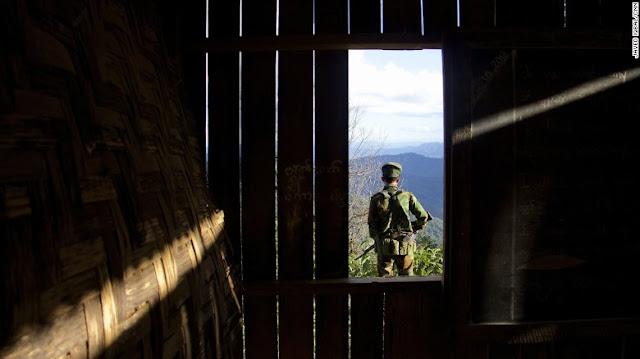 ဗိုလ္ထက္မင္း – လက္နက္ကိုင္ထားမွ ျငိမ္းခ်မ္းေရးရမွာလား နဲ႕ေမးခြန္းမ်ား – အပုိင္း(၅)