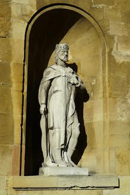 Alfonso III el Magno, Jardín de los Reyes Caudillos, Oviedo