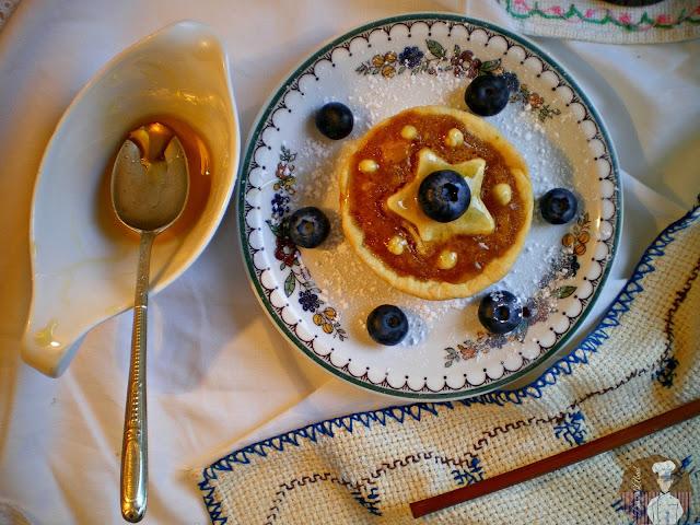Treacle Tart {Tarta de melaza} Tartita individual con arándanos