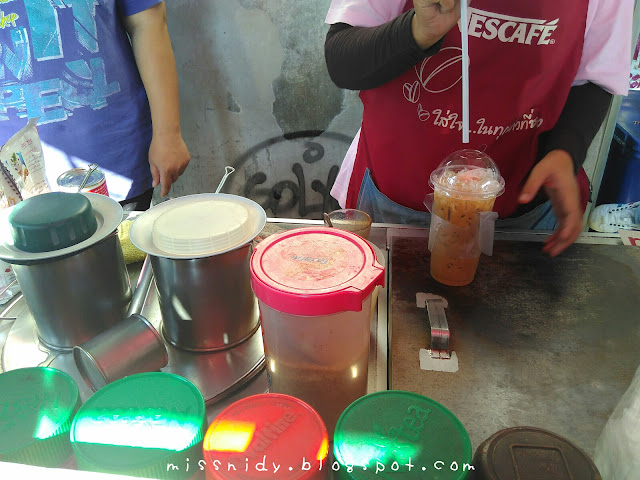 beli thai ice tea di bangkok