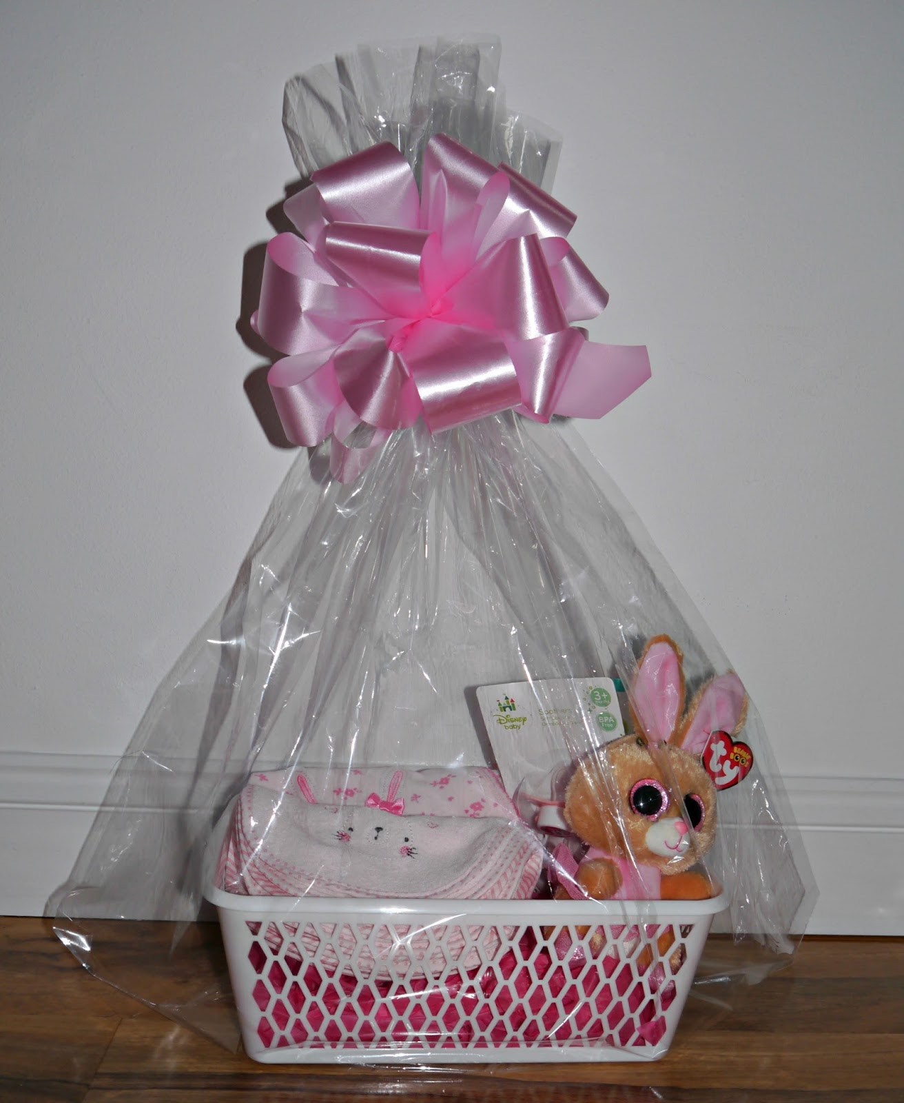 Last minute hamper ideas easter 2016 hannah marie earlier today i gave two types of easter basketshampers one being for a babys first easter and the others had a mix of things suitable for under 11 years negle Image collections