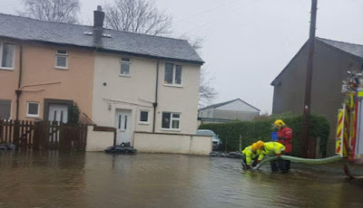 flood More Than 70 People Are Rescued From Their Homes As Floods Strike Britain News