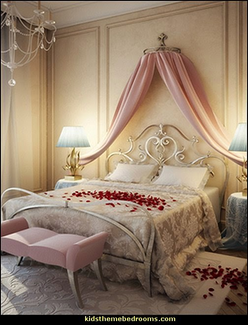 Decorating theme bedrooms maries manor romantic bedroom for Princess themed bed