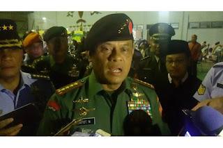 Panglima TNI Berjanji Pihaknya Akan Perhatikan Keluarga Korban Kecelakaan Pesawat Hercules - Commando