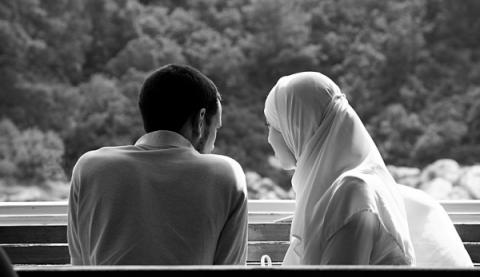 Ini Petunjuk Al-Qur'an dalam Memilih Suami dan Istri
