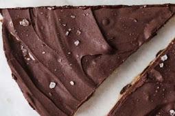 Healthy Raw Vegan Cookie Dough Cake